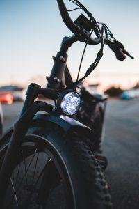 Een schuur bouwen voor een e-bike